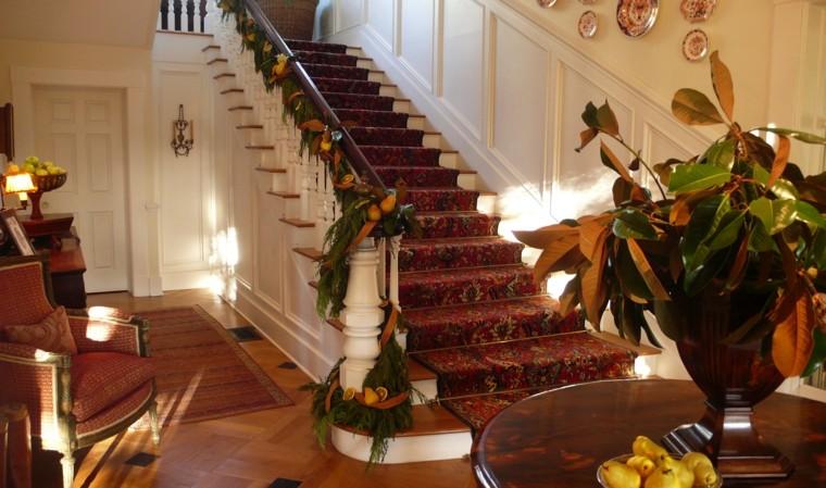 Decore su escalera para Navidad