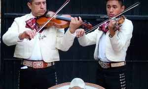 Mariachis en Lima, ¡que suene la música!