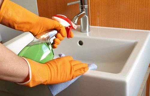 como-desinfectar-el-baño