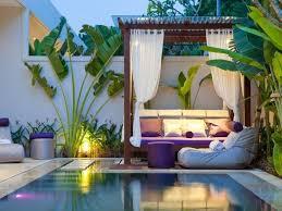 amplio catálogo de camas balinesas
