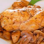 Pollo al horno con salsa de champiñones