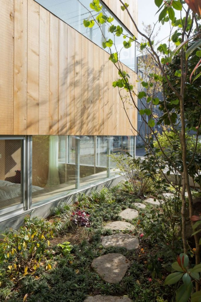 Diseño con jardinera amplio