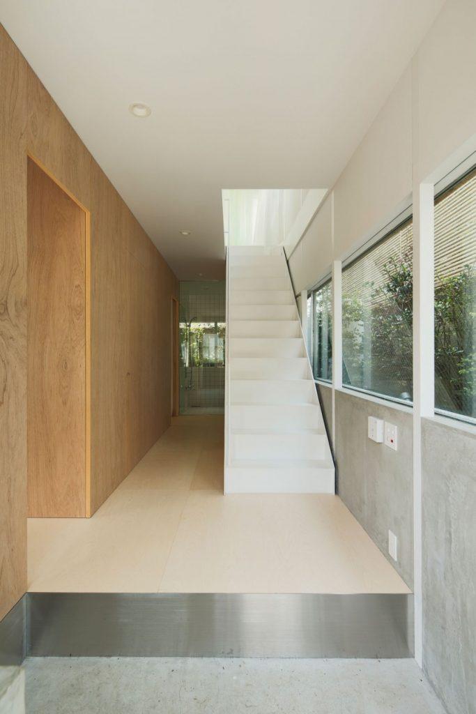 Escaleras modernas y lujosas