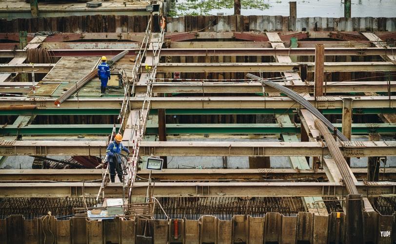 Diferencias entre trabajos de altura y trabajos verticales